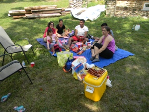 A picnic to celebrate the Deere